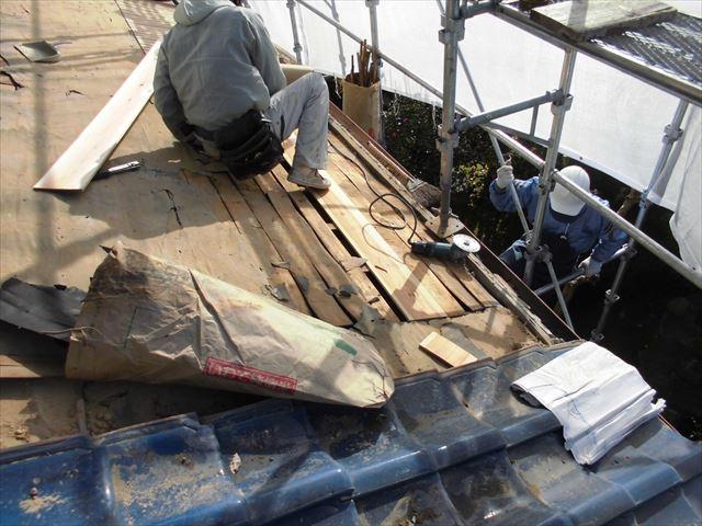 備前市 瓦屋根葺き替え工事 野地板補修