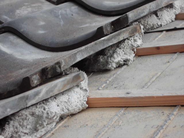 井原市 雨漏り修理 地瓦伏せ替え工事