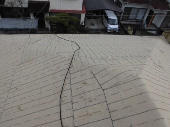 岡山市南区 下葺き材の防水紙ルーフィング施工です。