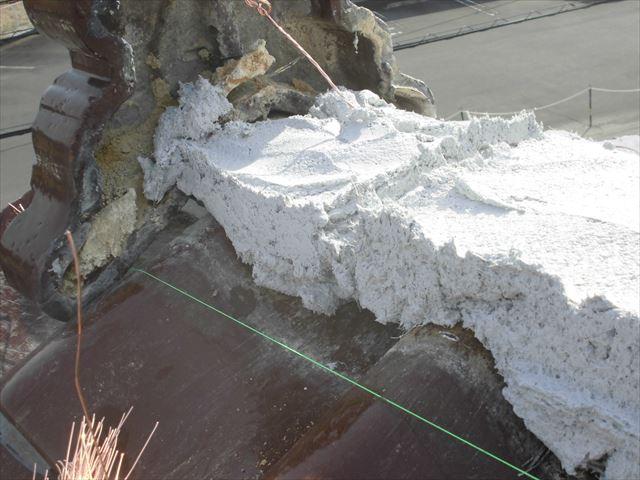 津山市で強度と耐久性がある南蛮漆喰(シルガード)で棟を施工です