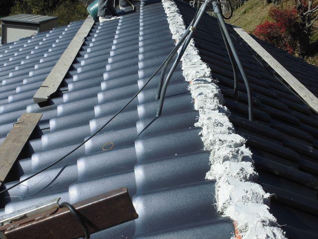 岡山市中区で屋根工事/南蛮漆喰のシルガードを使って棟工事