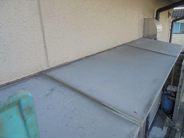岡山市中区 雨漏り修理 小庇板金不具合?