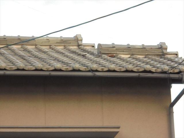 岡山市中区 雨漏り修理 瓦が浮いてます