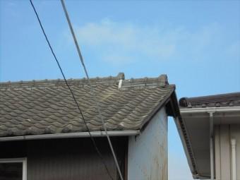 倉敷市で屋根修理 漆喰補修 雨樋金具のビス止め