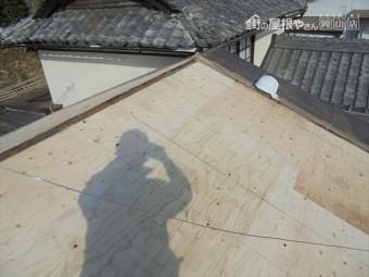 岡山市中区 屋根の下地板の補強工事