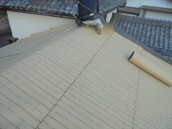 岡山市中区 コンパネの上には東和合成の東和ルーフを使います