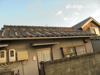 岡山市中区で屋根雨漏り修理 平屋の切妻の建物です
