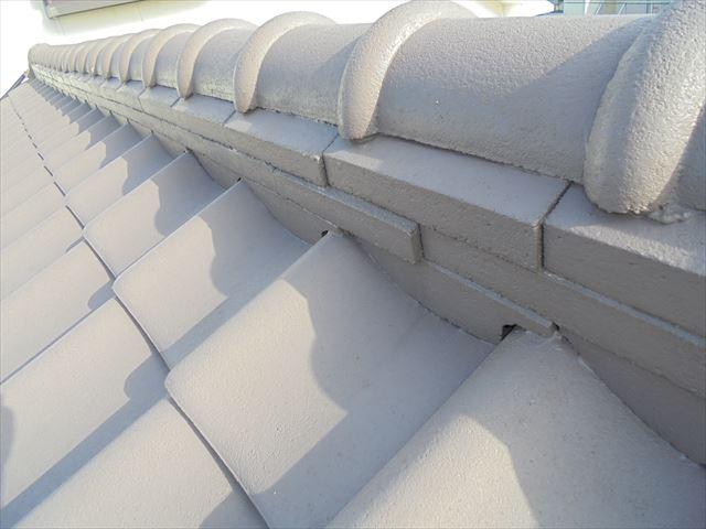 岡山市北区 雨漏り修理 棟瓦もずれています