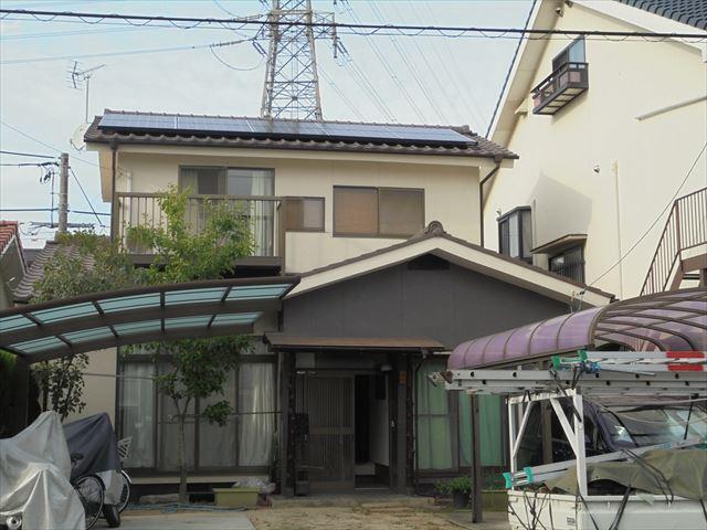 岡山市北区で屋根の葺き替え工事/ドイツ製太陽光システム取り外し