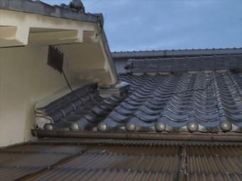 岡山市北区で台風の影響で雨漏り 日本瓦の平屋