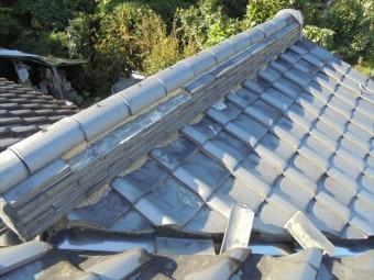 岡山県和気町で屋根修理 棟の熨斗瓦が抜け落ちています。