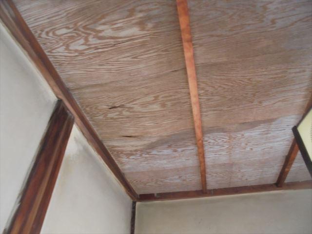 岡山市北区 屋根工事 雨漏り修理 天井にシミ
