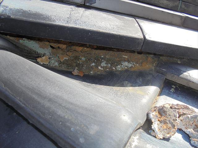 吉備中央町 雨漏り修理 瓦の割れ
