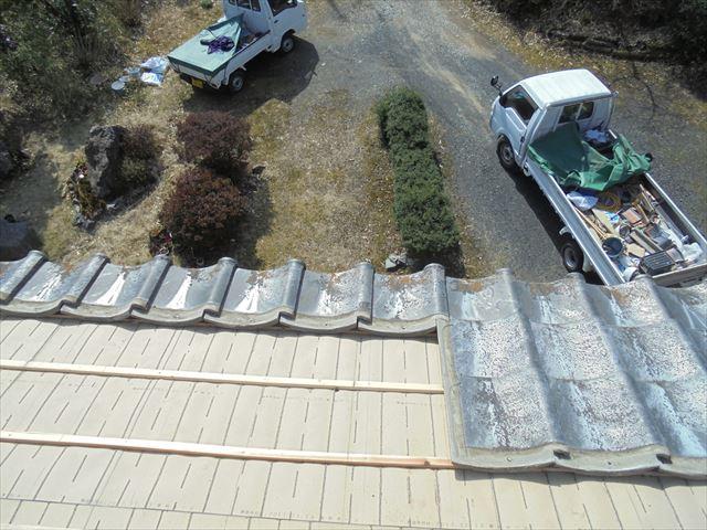 津山市で雨漏り修理 セメント瓦葺き直し