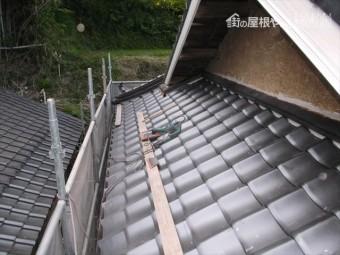 岡山県久米南町 屋根工事 屋根リフォーム 際熨斗施工 入母屋側