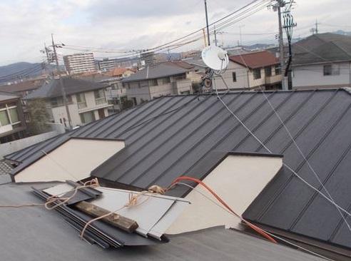 岡山市中区 一棟2階葺き終わりました。