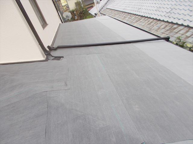 岡山市中区で化粧スレートの屋根材のカバー工法/1階の本体施工