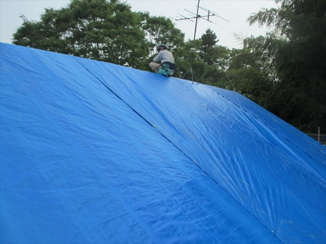 岡山県久米南町 屋根工事 雨漏り修理 ブルーシート張り