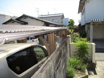 岡山市南区で雨樋点検。集水器つまり