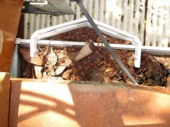 岡山市中区で落ち葉で樋まり
