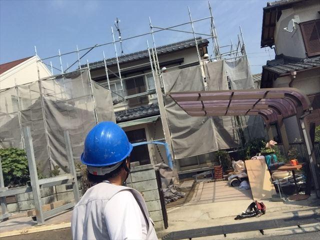 岡山市南区で屋根工事 葺き替え工事 2階の養生足場を外します