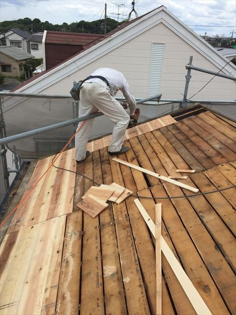岡山市南区 屋根工事 屋根リフォーム 雨漏り修理 屋根葺き替え 化粧野地板張替