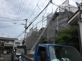 岡山市北区 屋根工事 屋根リフォーム 瓦揚げ機のタワー組み立て