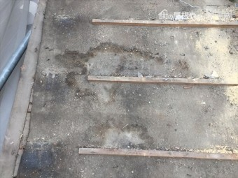 岡山市南区 屋根工事 雨漏り修理 瓦撤去 雨漏りあと多数あります
