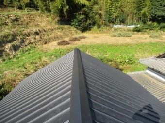 美咲町 屋根リフォーム ガルバリウム鋼板縦葺き