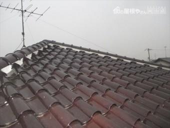 倉敷市屋根修理。S型の瓦の下葺き材の防水紙を張り替え葺き直し