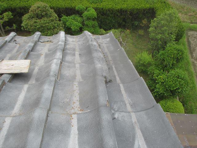 岡山市南区で突風でも、台風でも飛ばないように屋根瓦をビス止め