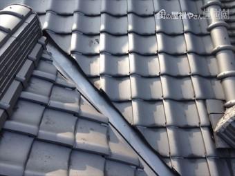 玉野市 雨漏り修理 捲れた瓦をズレ止め