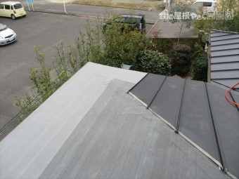 岡山市中区 カバー工法で隅棟部分施工