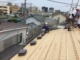 岡山市北区 屋根工事 屋根リフォーム 唐草瓦配り