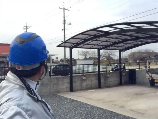 岡山市南区 カーポートのアクリル板の点検です。