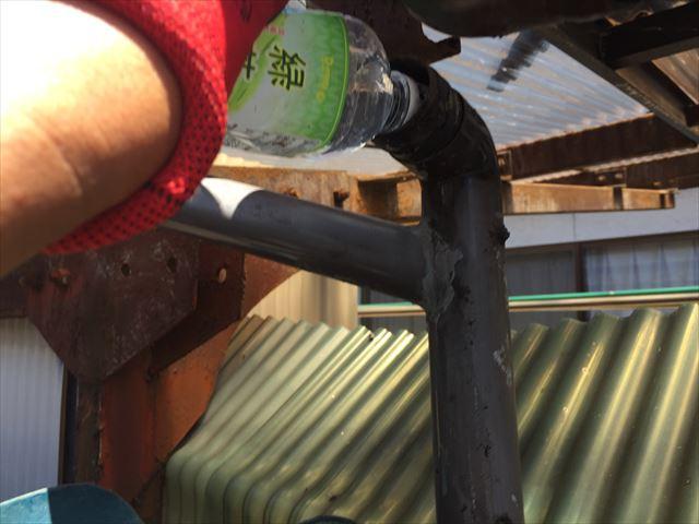 岡山市南区で樋に水を流し確認
