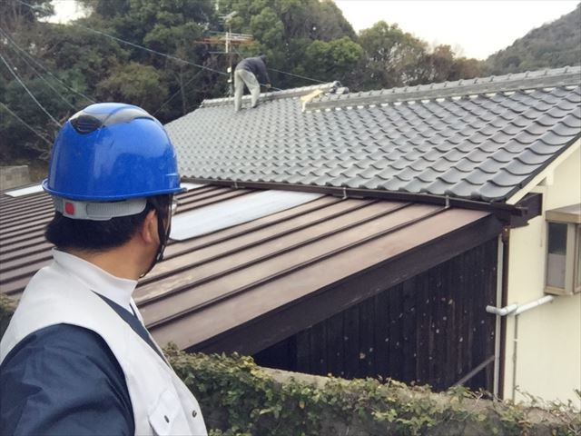 玉野市で屋根修繕 三日月漆喰入れ替え工事確認