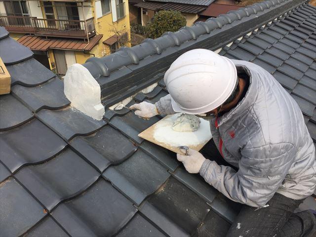 玉野市で屋根を長持ちさす為に三日月漆喰入れ替え屋根補修工事