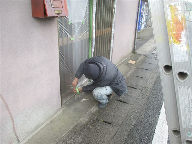 岡山市北区で雨漏りの原因は壁の剥がれ/モルタル壁の塗装工事