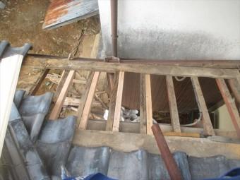 吉備中央町 腐った野地板撤去、垂木補強