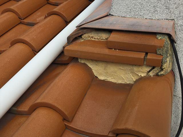 岡山市北区 急勾配の屋根の修理壁際の熨斗が落ちてないです。