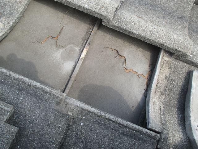 岡山市南区 屋根葺き替え セメント瓦 防水紙(ルーフィング)劣化