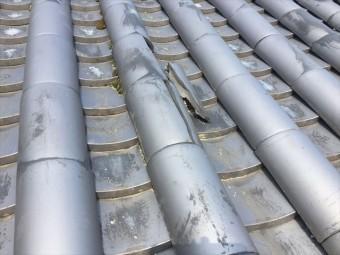 岡山市北区で蔵の屋根の瓦の割れ