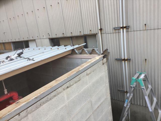 倉敷市 屋根修理 折板屋根取り替え 本体取り外し