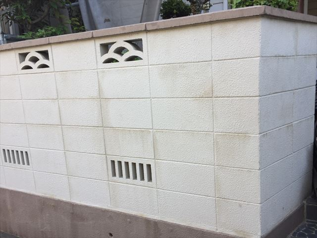 岡山市北区 外壁塗装 ブロック塀にも汚れが目立つ