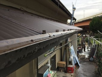 岡山市中区 屋根工事 雨漏り修理 テラスの屋根から雨漏り