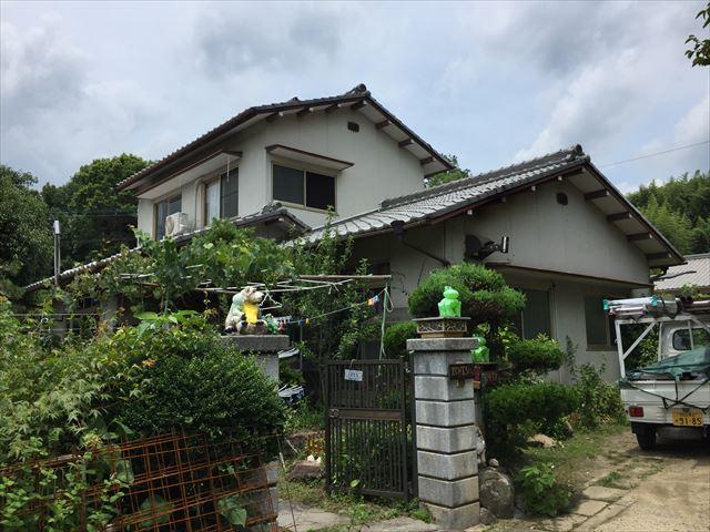 岡山県赤磐市で押入れの天井にシミができ、雨漏り修理の無料点検依頼