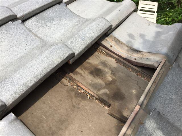 赤磐市で雨漏り修理 ルーフィングに水が回っています