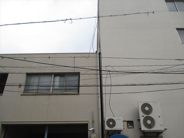 岡山市北区で陸屋根の雨漏り修理の依頼があり現調に行ってきました