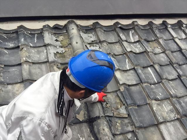 赤穂市上郡町でトタン屋根の下屋根の瓦葺き替え工事の点検です。
